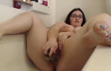 BBW toying her cunt