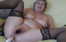 Solo action with naughty mature on webcam